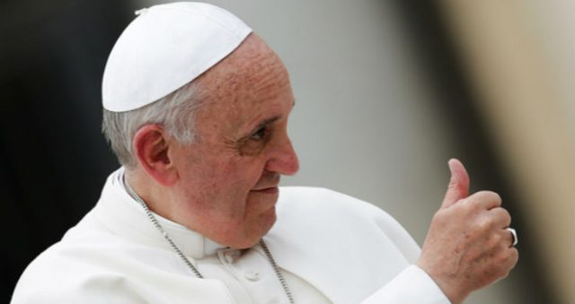 papa-francisco-finger-up
